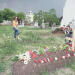Doua morminte pentru Carcotasi