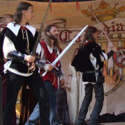 Cavalerii si domnitele s-au intalnit la Rasnov
