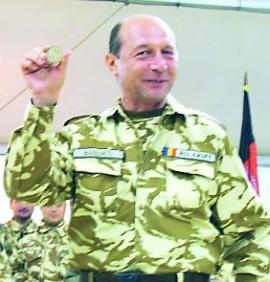 Basescu, atacat de insurgentii din Afganistan