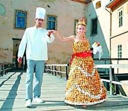 O rochie de mireasa din oua, zahar si faina